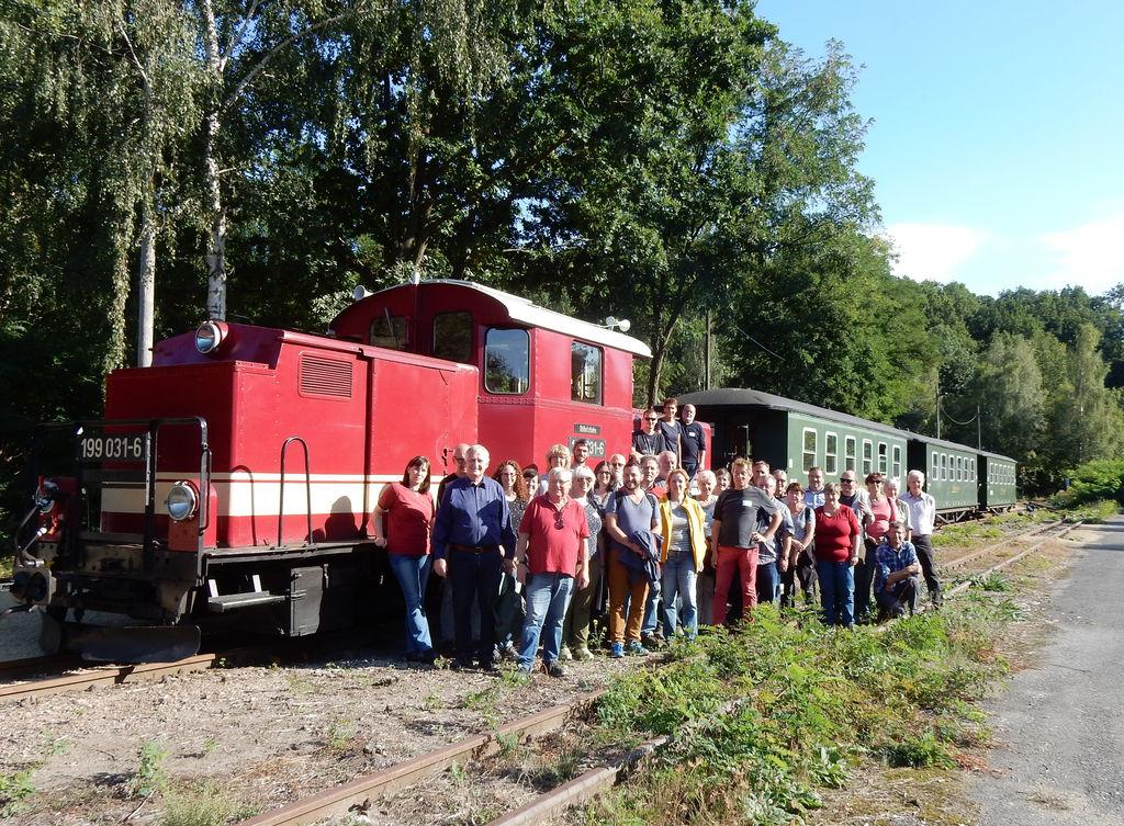Exkursionsgruppe an der Döllnitzbahn (Foto: Haschke)